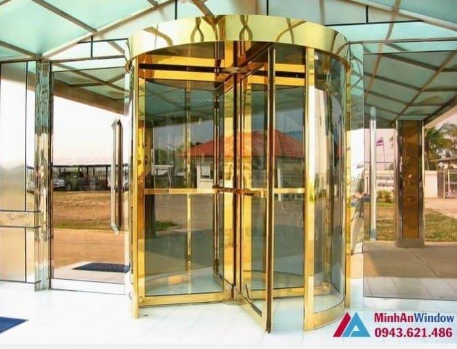 Cửa xoay inox vàng gương