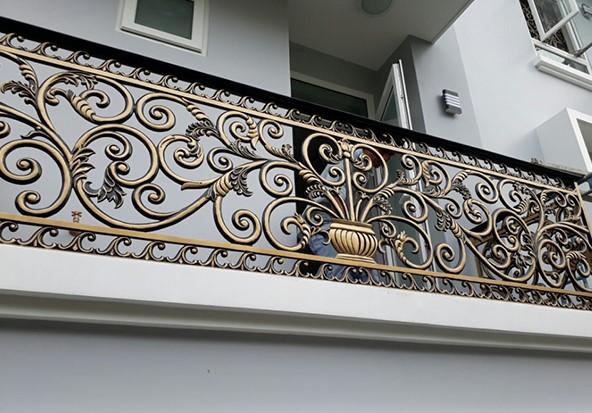 Lan can mỹ thuật phù hợp với những căn nhà mang phong cách cổ điển